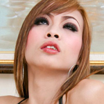 Ge0. Hottie Ge who works at Obsessions in Pattaya gets naked at tranny tranny